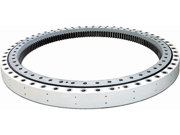 Wind turbine bearings
