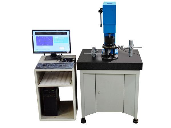 Bearing running accuracy measuring instrument